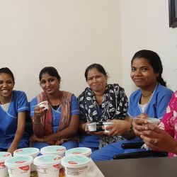 papayacare team with ice-cream